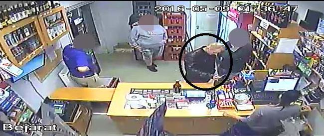 Lopott bankkártyával fizetett, őt keresi a rendőrség - felismeri?