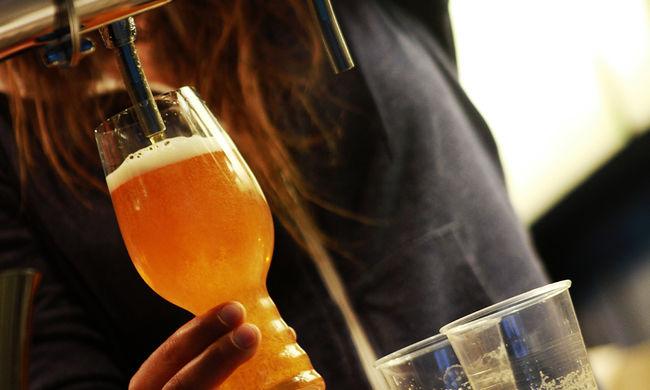 Fesztiválozók vizeletéből készítenek sört