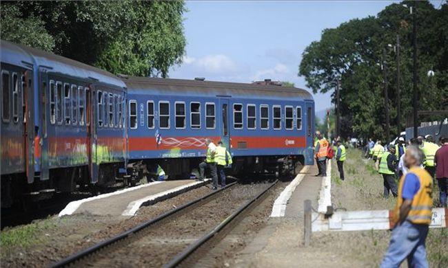 Kisiklott egy Budapestre tartó vonat, egyórás késések lehetnek
