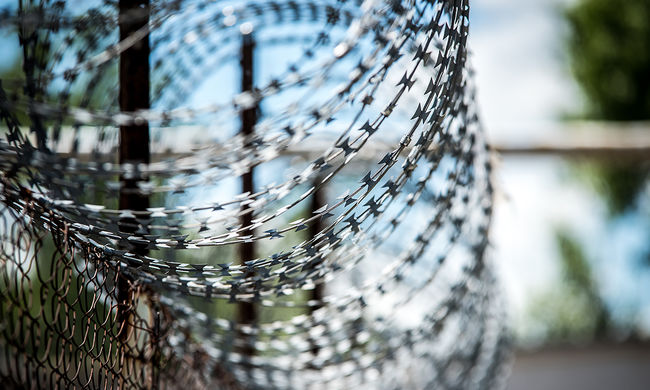 Dráma a budapesti börtönben: nekiment az őröknek egy rab