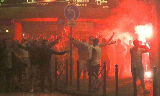 Háború a foci EB-n: 36 szurkolót letartóztattak, 16-an kórházba kerültek, fotókkal