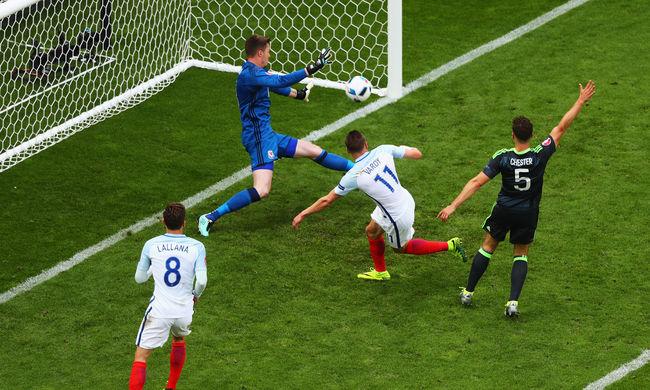 Két csereember hozta össze a győzelmet Angliának