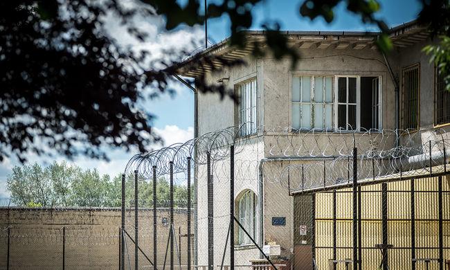 Öngyilkosságot követett el a börtönben a gyilkos