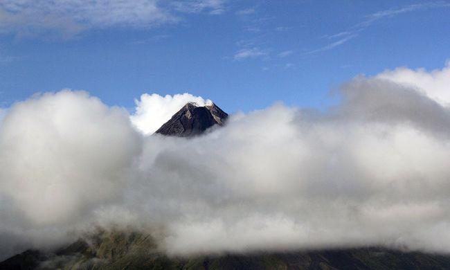 Kitört egy vulkán a Fülöp-szigeteken