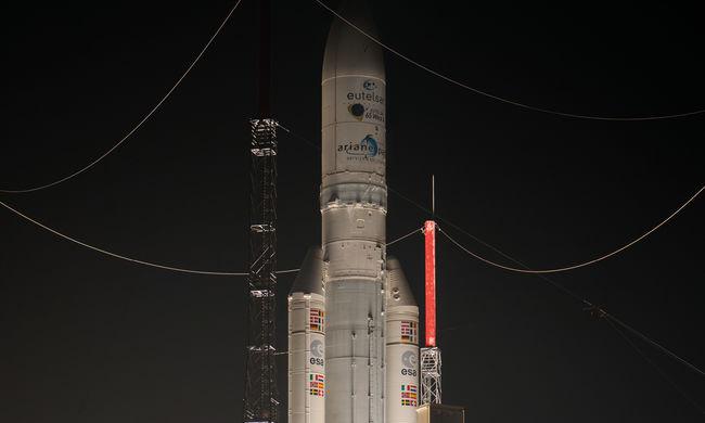 Ariane-5 hordozórakéta állít Föld körüli pályára két műholdat