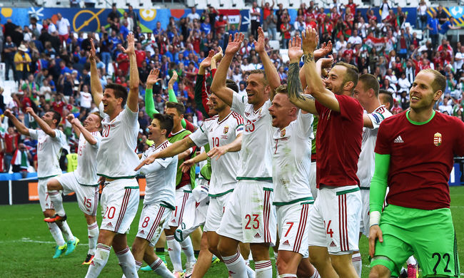 Családtagjaikkal lepte meg a magyar válogatottat az MLSZ