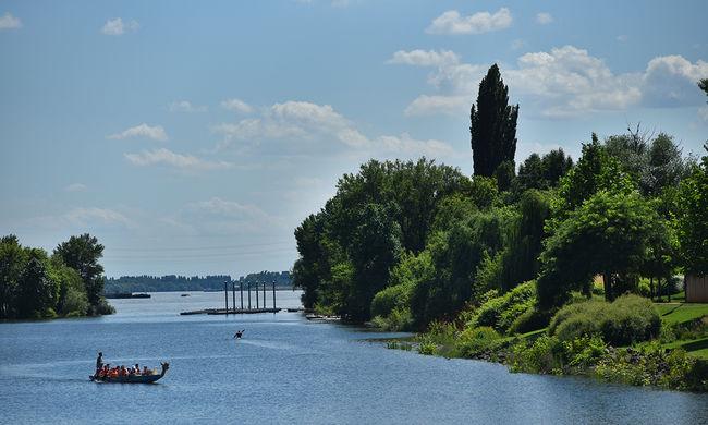 Gyerekeket sodort el a Duna, egyiküket nem találják