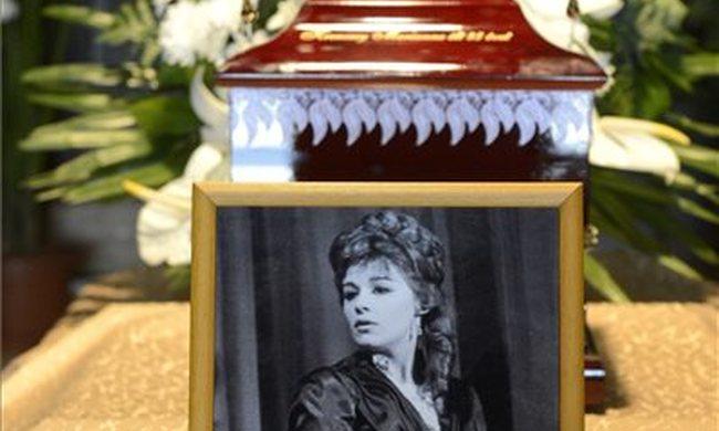 Eltemették Krencsey Mariannet
