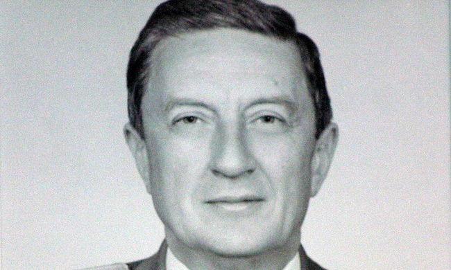 Meghalt a Ceausescu-diktatúra megdöntője