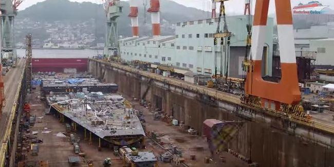 Így épült meg 5 év alatt a 120 ezer tonnás óceánjáró hajó - videó!
