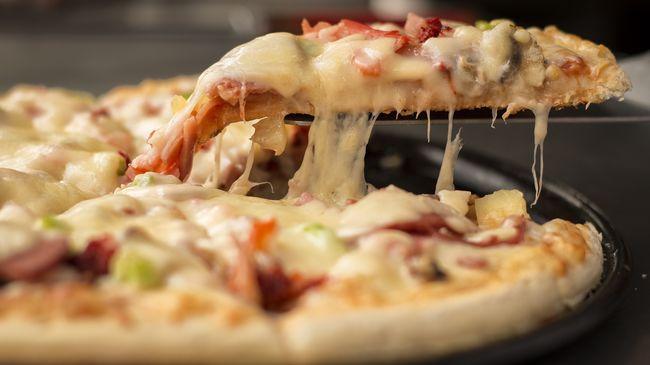 Pizzával zaklatják az ügyvédet