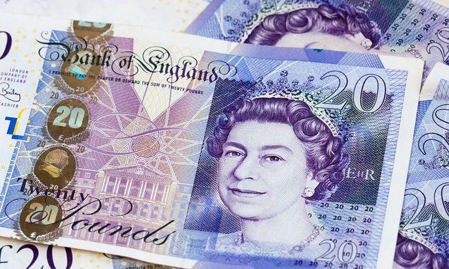 Euróra és dollárra váltanak a britek