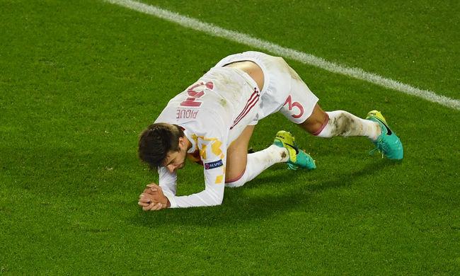 Bemutatott a spanyol himnusz alatt a Barcelona sztárja?