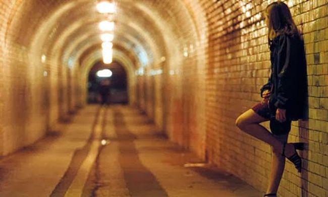 Jogerősen elítélték a lányokat futtató emberrablókat