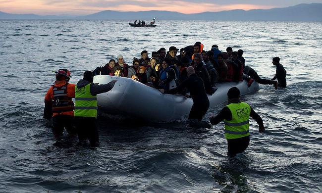 4500 migránst mentettek ki egy nap alatt a tengerből