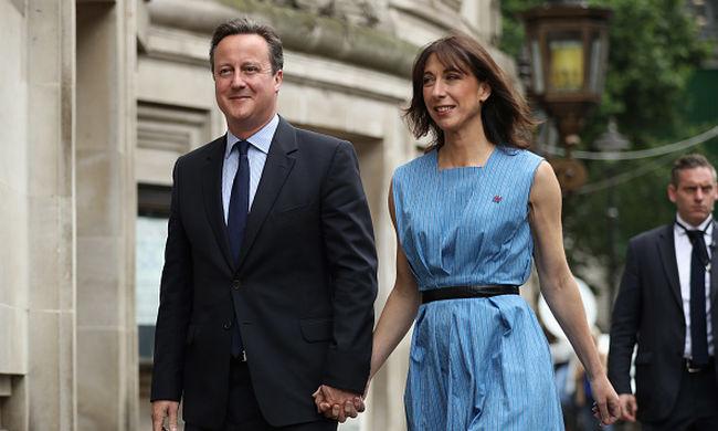 Azonnali lemondásra szólították fel Cameront, még mindig vezetnek a Brexit-pártiak