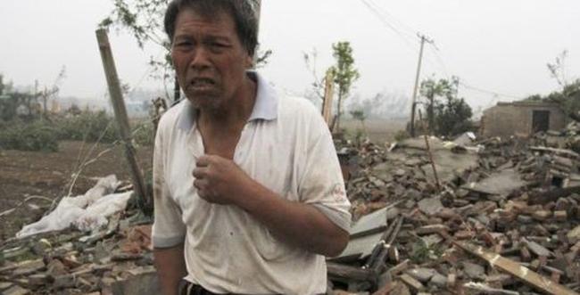 Földig rombolt házak, halálos áldozatok: a tornádó mindent elpusztított