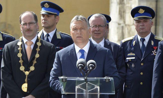 Orbán: Újra kell és újra is fogjuk gombolni az európai kabátot