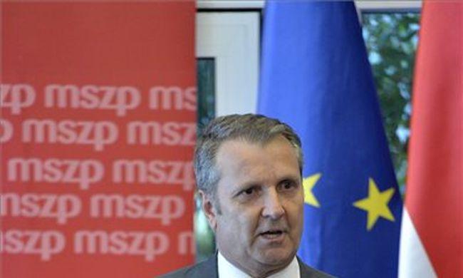 Leváltották Tóbiás Józsefet, új elnöke van az MSZP-nek