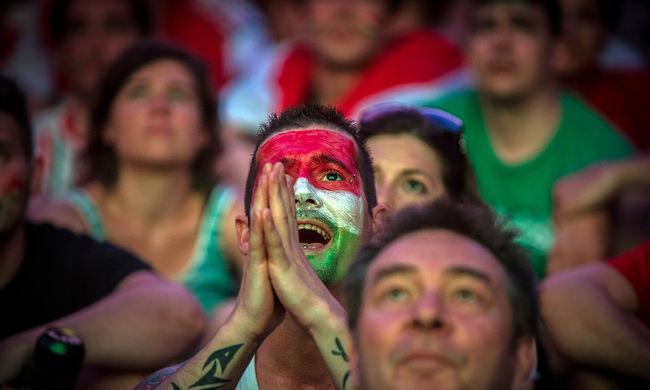 Imára kulcsolt kezek, aggódó arcok - így szurkoltak a magyarok! - képgaléria