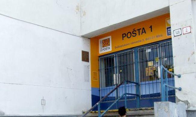 Gyanús csomag miatt kiürítették a nyitrai postát