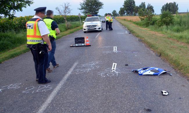 A fiatal motoros elütött egy gyalogost, mindketten meghaltak