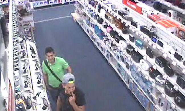 Ez a két férfi lopott, felismeri őket? - fotók