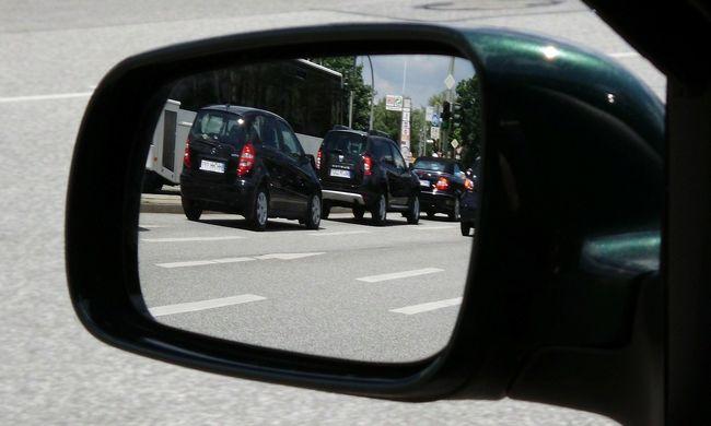 Keresik a cserbenhagyó sofőrt, aki elgázolt egy idős bácsit