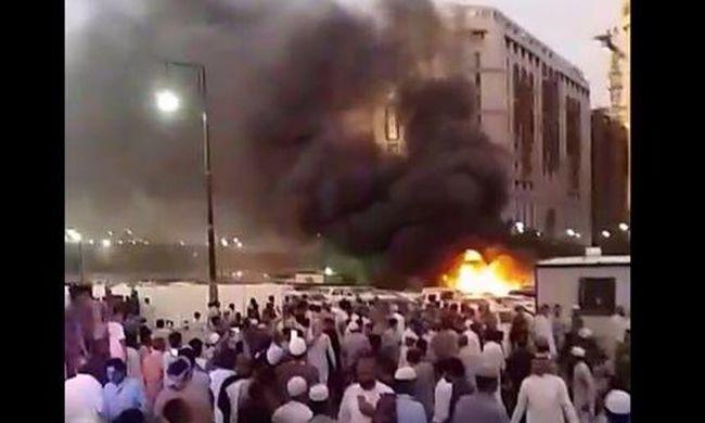 Öngyilkos merénylő robbantott a mecset mellett - ez az iszlám 2. legszentebb helye