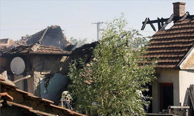Új fejlemények: ettől robbanhatott fel a családi ház Törökszentmiklóson