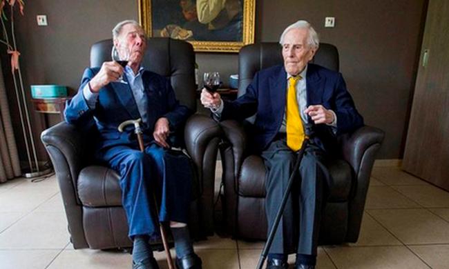 Ők a legidősebb férfi ikrek, ez a titkuk