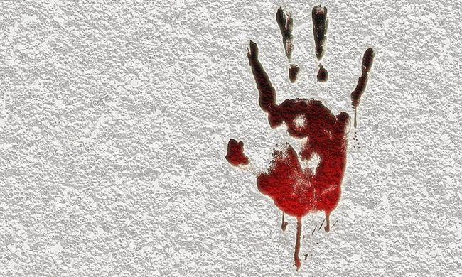 Vérével írta le a sokkos lány, hogy meg akarták ölni