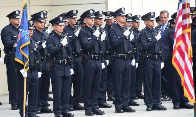 Tragédia: nyugdíj előtt álló és szülésről visszatérő rendőrt gyilkoltak meg