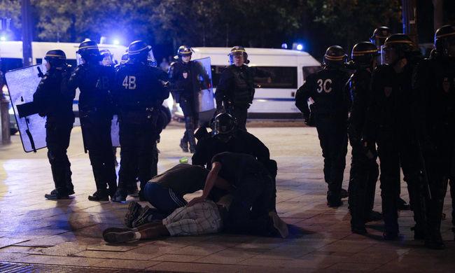 Könnygázzal támadtak a dühöngő francia szurkolókra a döntő után