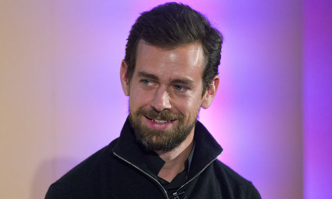 Zuckerberg után a Twitter főnökét is utolérték a hekkerek