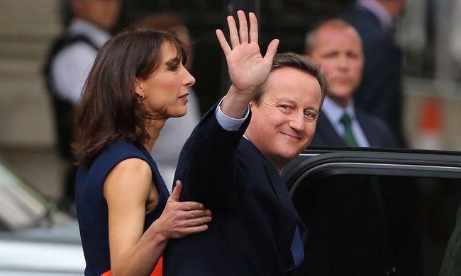 Vége! Lemondott a brit miniszterelnök