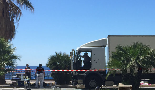 Nizzai terrortámadás: a merénylő SMS-forgalmának kielemzésén dolgoznak a nyomozók