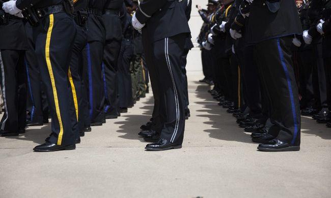Fegyvertelen férfit lőtt le egy rendőrnő
