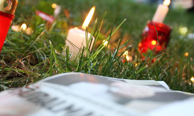 Tömegek emlékeznek Somló Tamásra a Tabánban - képek