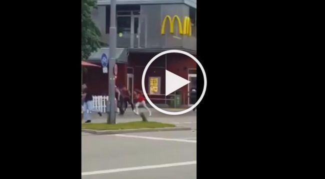 Így lőtt a védtelen járókelőkre a terrorista!