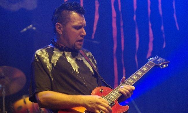 Váratlanul meghalt a magyar rockbanda gitárosa, 3 hete derült ki, hogy halálos beteg