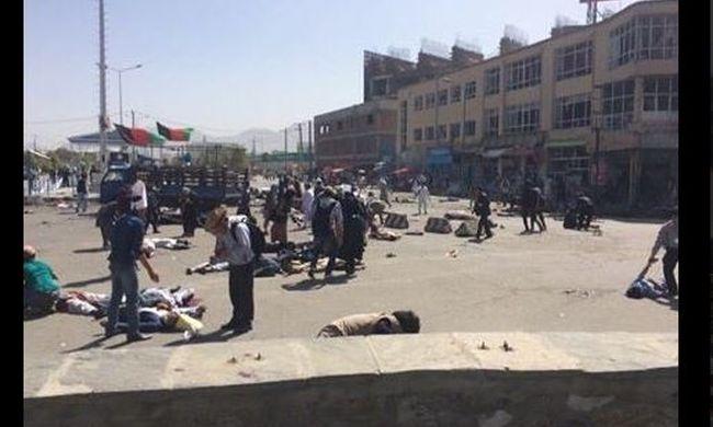 Legalább 50 ember meghalt, amikor robbantottak mellettük - az Iszlám Állam katonái voltak