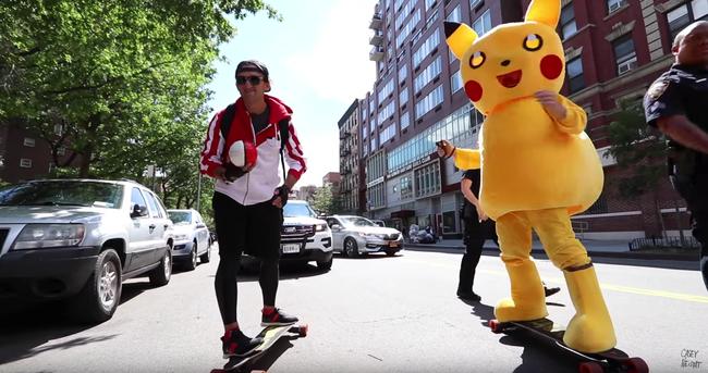Ember nagyságú Pokémont üldöztek végig New York utcáin - videó