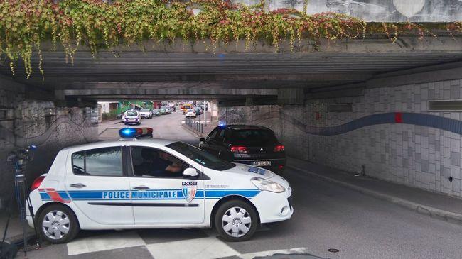 Meghalt egy túsz és a támadók Franciaországban