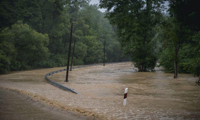 Lakásokat öntött el a szomszédban megáradt folyó, a gyerekek nem mehetnek iskolába