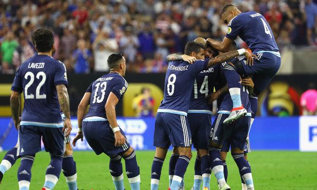 Kirabolták az olimpiára készülő argentin futballválogatottat