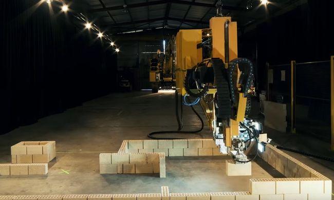 Négyszer gyorsabban építi fel a házat a robot, mint az ember - videó