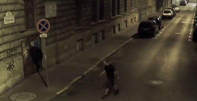 Felismeri a szurkálós férfit? - videó