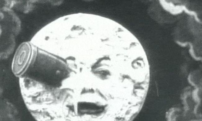 Ha már nem fér, a Holdra küldik az emberi hamvakat