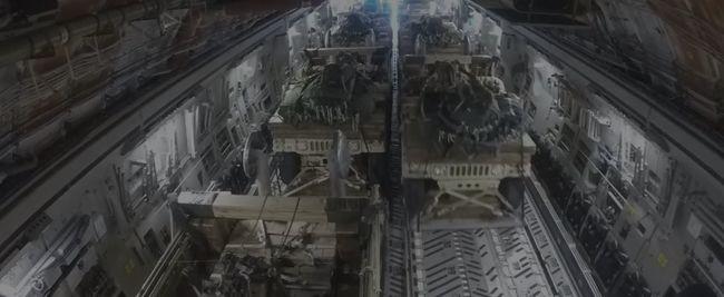 1500 méterről dobtak ki terepjárókat egy repülőből az amerikai katonák - videó